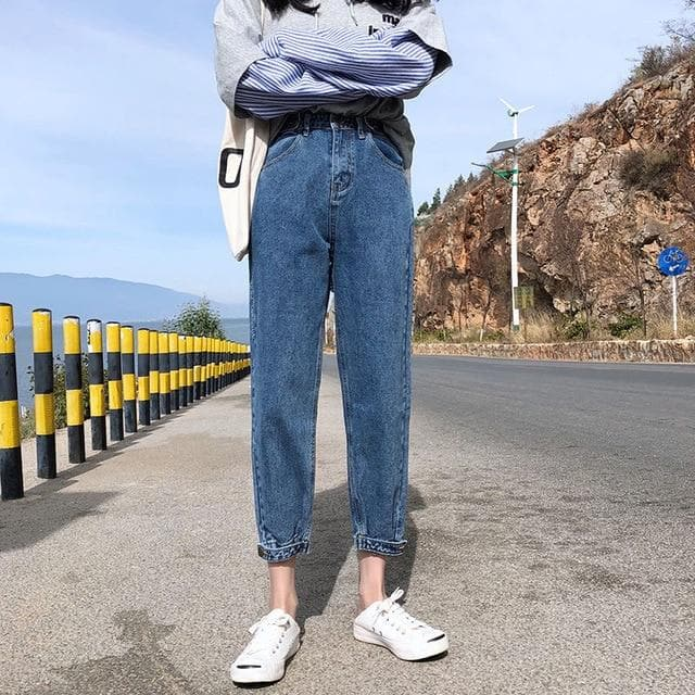 Straight High Waist Jeans - authentic Asian fashion from Korea, Japan and China.