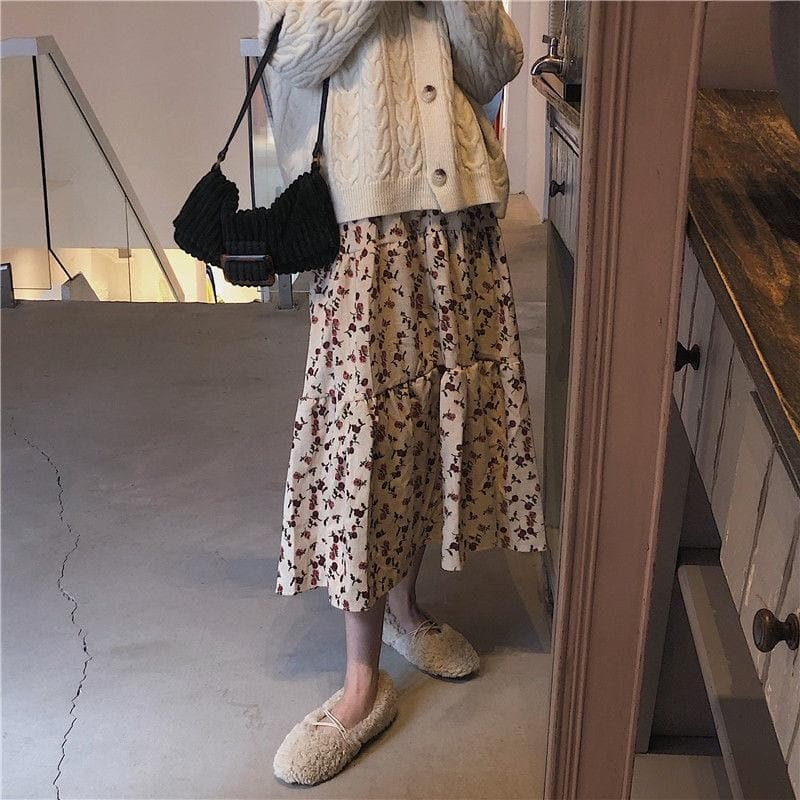 Ribbed A-Line Skirt with Floral Pattern - authentic Asian fashion from Korea, Japan and China.