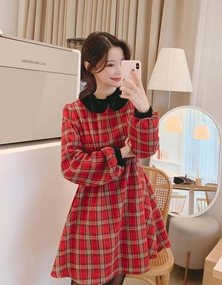 Plaid A-Line Dress with Black Collar - authentic Asian fashion from Korea, Japan and China.