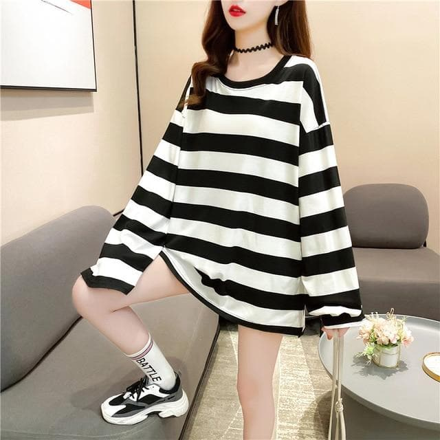Oversized Longsleeve Shirt with Stripes - authentic Asian fashion from Korea, Japan and China.