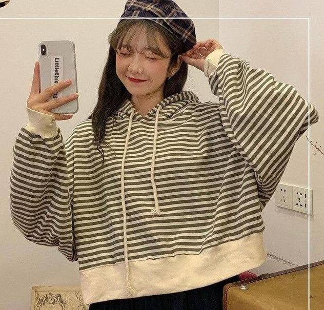 Short Striped Hoodie - authentic Asian fashion from Korea, Japan and China.