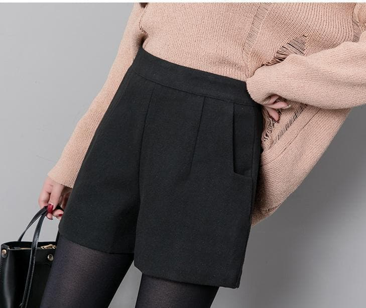 Casual Black Shorts - authentic Asian fashion from Korea, Japan and China.