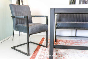 Stoel Tower Living Ferro met armleuning Dutch Design Tables