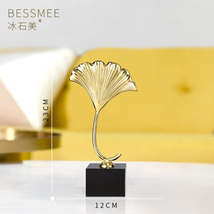 Creative copper ginkgo leaf with crystal base Handcrafted luxurious ornament Pure handmade Fine copper gifts Home decoration