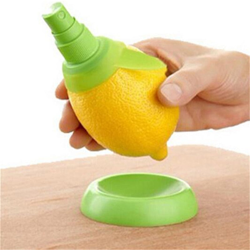 1Pcs Kitchen Gadgets Lemon Sprayer Fresh Fruit Juice Citrus Spray Orange Juice Squeeze de cozinha Kitchen Cooking Tools