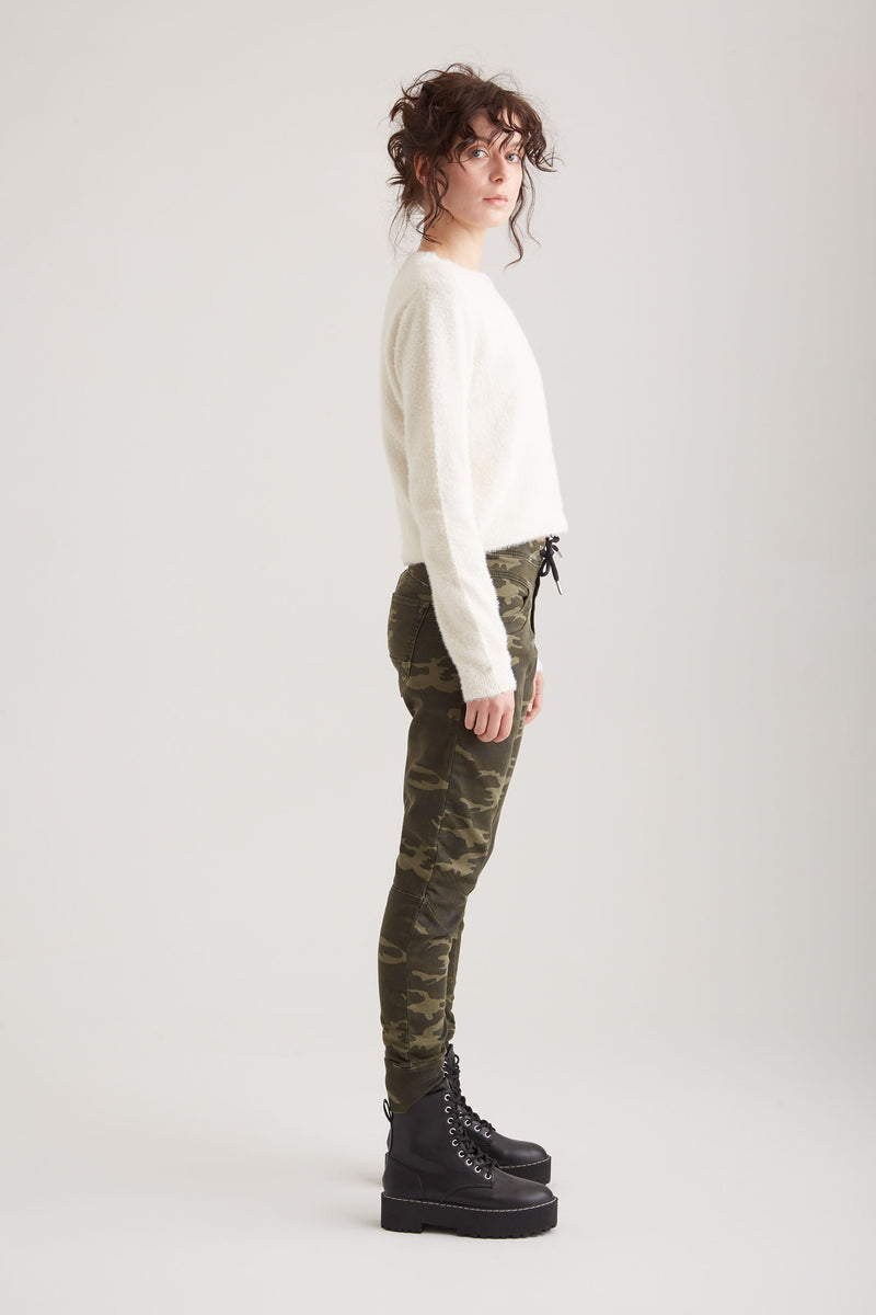 Mila - Jogging - Dark Camo