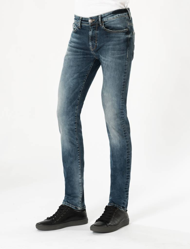 Ray Sapphire Blue Faded Jeans