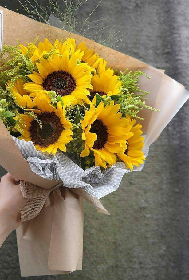 Sunny Shine Up Sunflower Bouquet