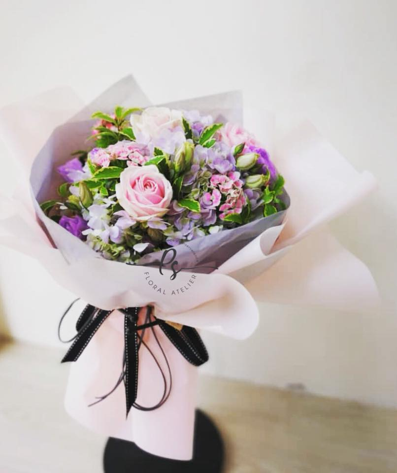 Roundy Glows Pink Flower Bouquet