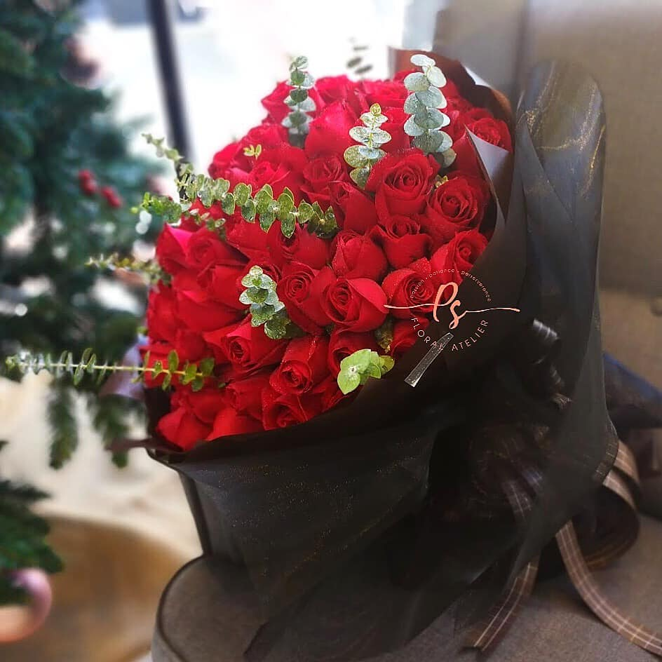 99 Red Roses Flower Bouquet