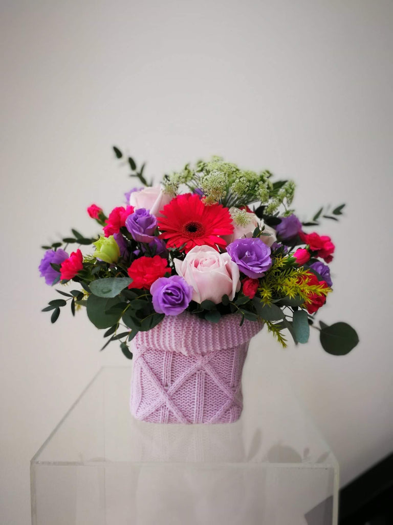 Knitted Flower Arrangement Display