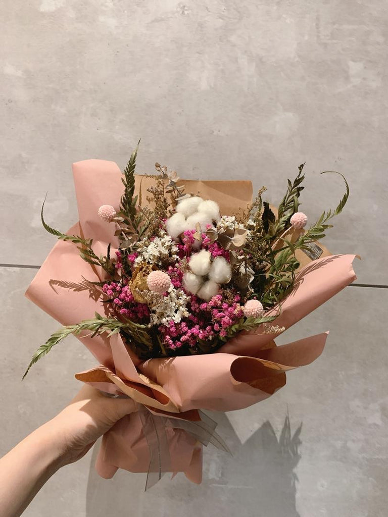 Pinkish Wishes Dry & Preserved Flower Bouquet