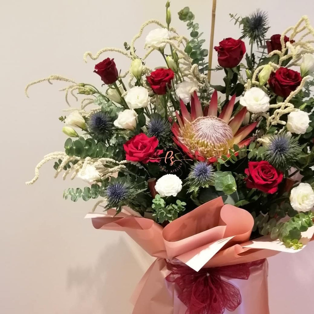 New in town Congratulatory Flower Stand