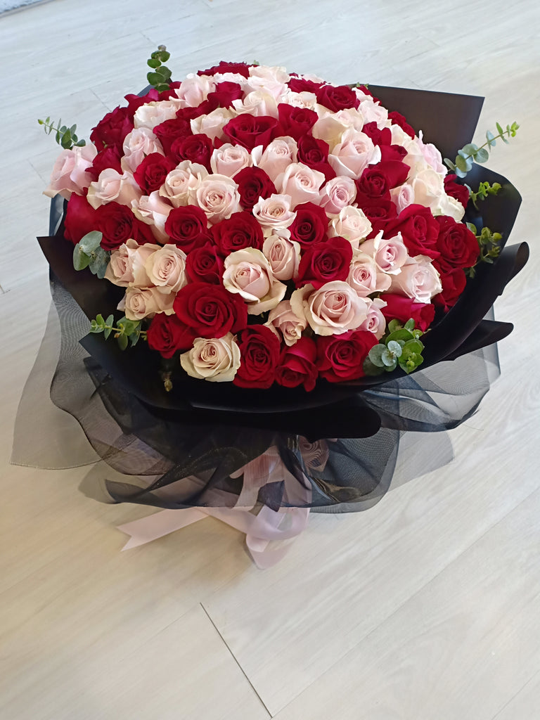 Mix Red & Pink/Blue 99 roses
