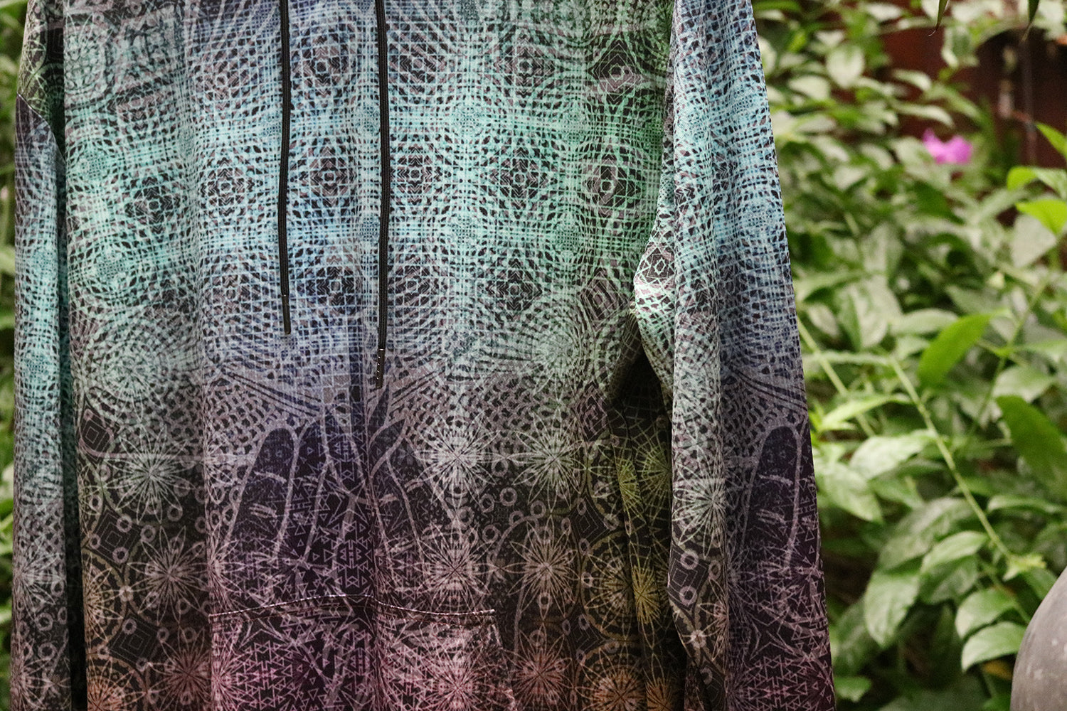 Thin Pullover Hoodie - Tessellation