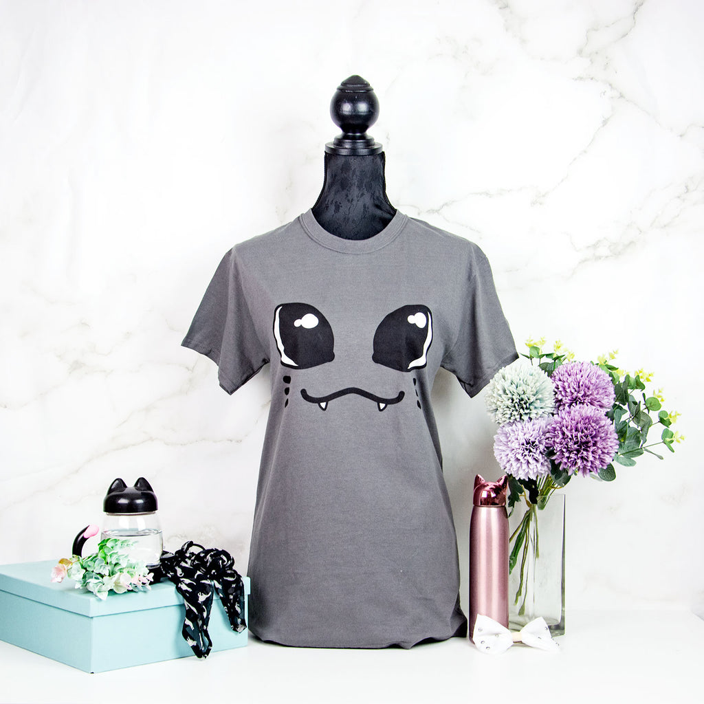 Kawaii Unisex Cat face T-shirt with tail print - MadModesty
