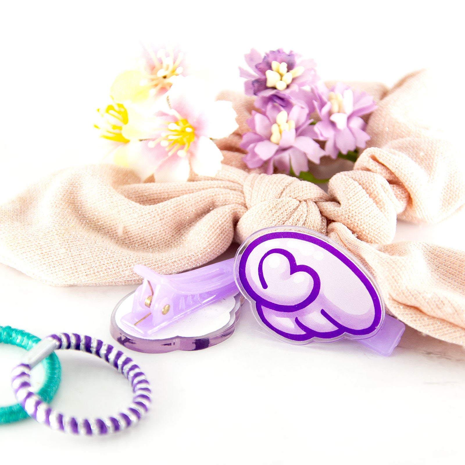 Angel wing hair clip set - kawaii accessories by MadModesty