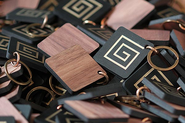 leather and walnut key chain for the grid