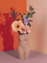 Laden Sie das Bild in den Galerie-Viewer, Vase 'Body' | Klein