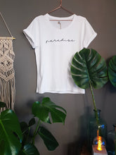 Laden Sie das Bild in den Galerie-Viewer, T-Shirt Paradise by thewanderingblonde