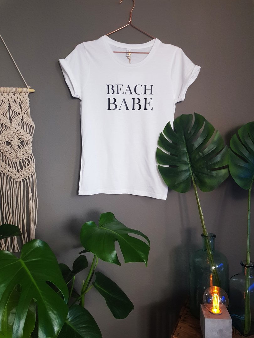 T-Shirt Beach Babe by thewanderingblonde