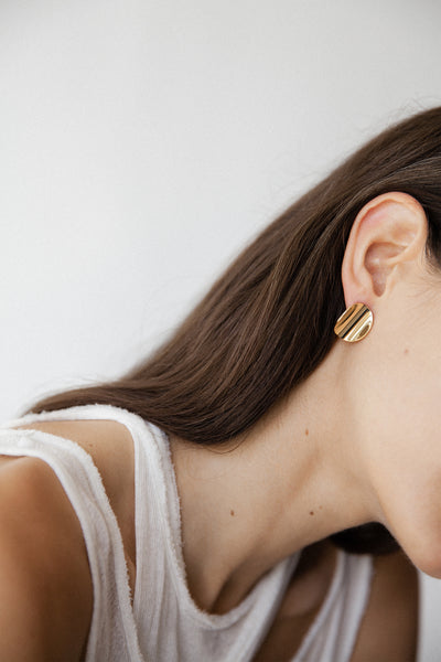 Yellow gold plated round minimalistic earrings made in Germany