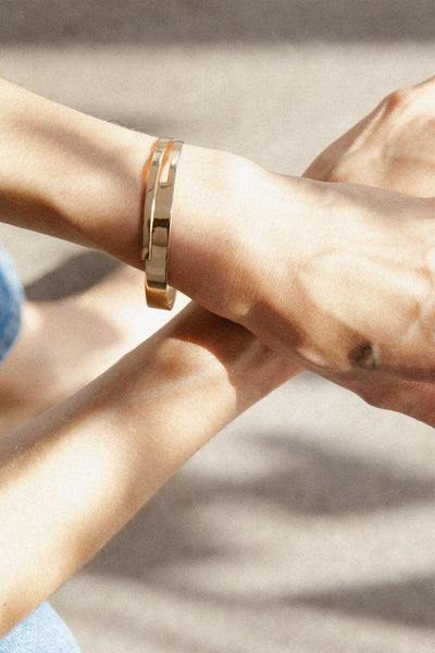 Yellow gold plated minimalistic bracelet made in Germany