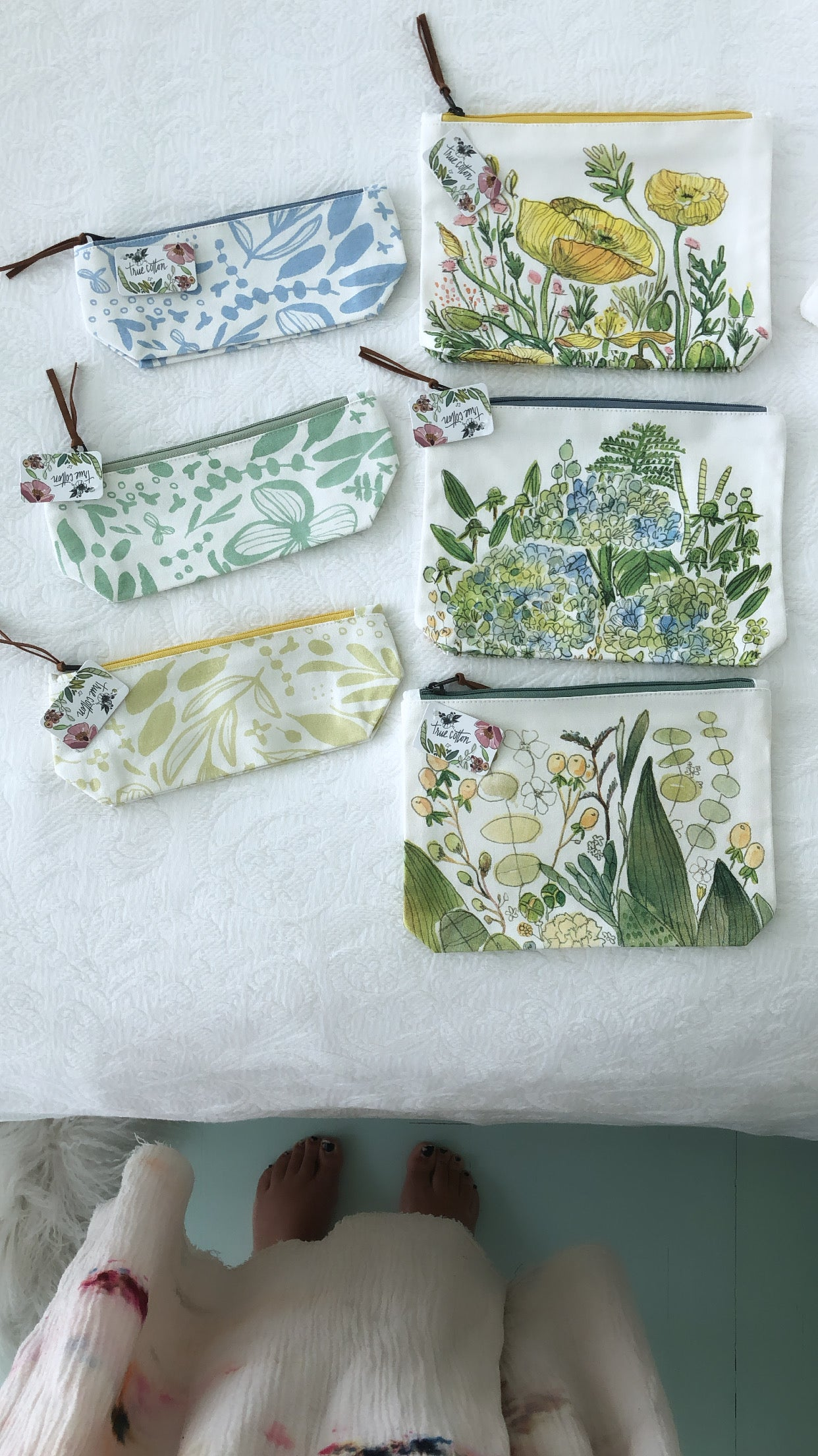 Small Floral Zipper Pouch