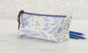 Open image in slideshow, Small Floral Zipper Pouch