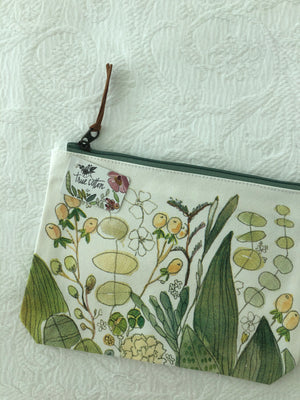 Open image in slideshow, Large Floral Zipper Pouch