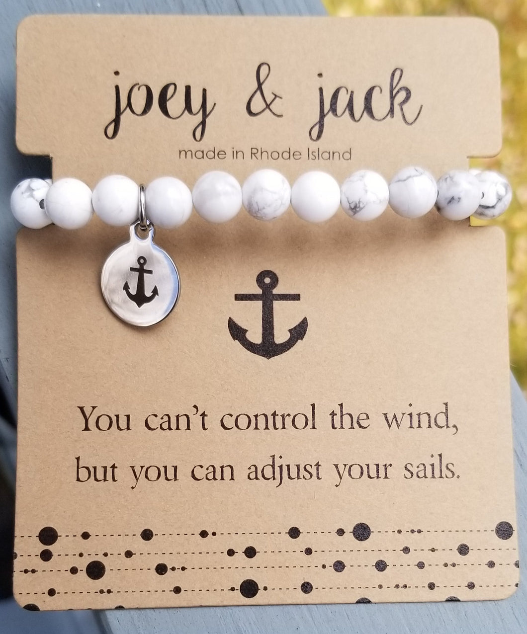 Magnesite Beaded Anchor Bracelet