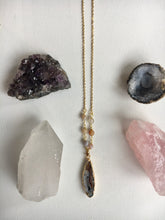 Load image into Gallery viewer, Agate Pendant and Stone Necklace