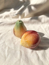 Load image into Gallery viewer, Italian Alabaster Fruit