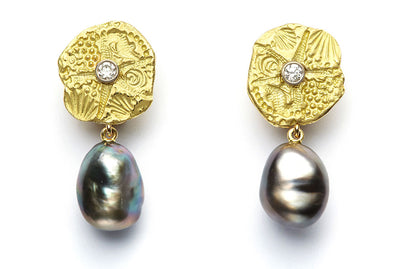 18kt Gold Starfish Disc and Diamond Earrings with Tahitian Baroque Pearls