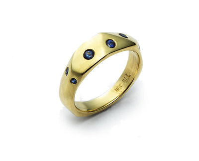 The Diana Band with Sapphires - 18kt Yellow Gold