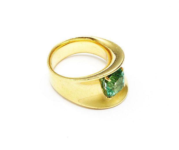 Mint Tourmaline Beach Ring set in 18kt Gold