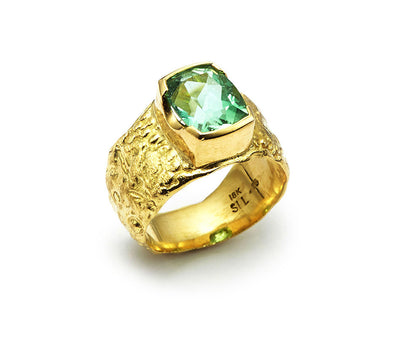 Mint Tourmaline set in 18kt Gold Seascape Band