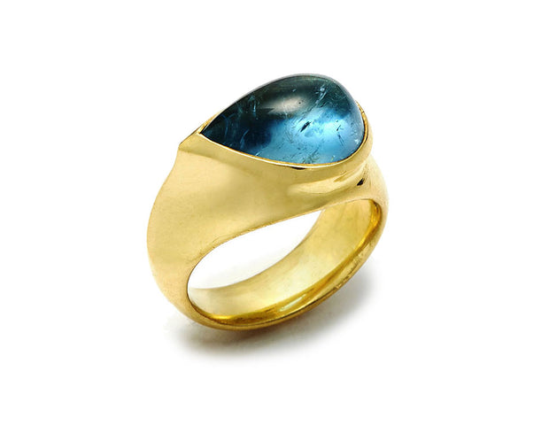 Pear-Shaped Aquamarine Ring set in 18kt Gold