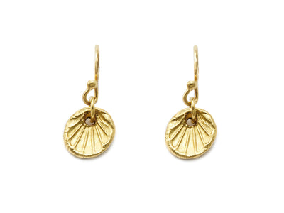 Scallop Shell Drop Earrings in 18kt Gold