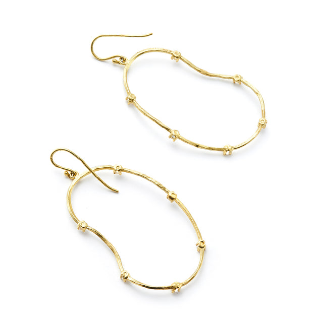 Oyster Earrings with Diamonds set in 18kt Gold