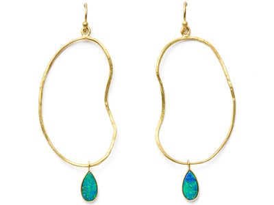 Opal Drop Oyster Earrings in 18kt Gold