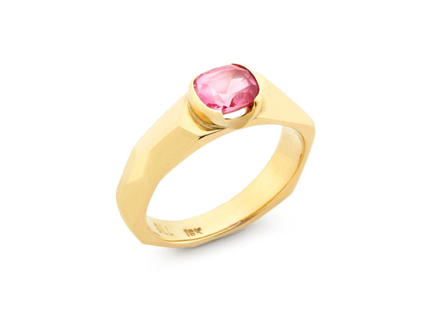 Padparadscha Cushion Cut Sapphire set in 18kt Gold Diana Band