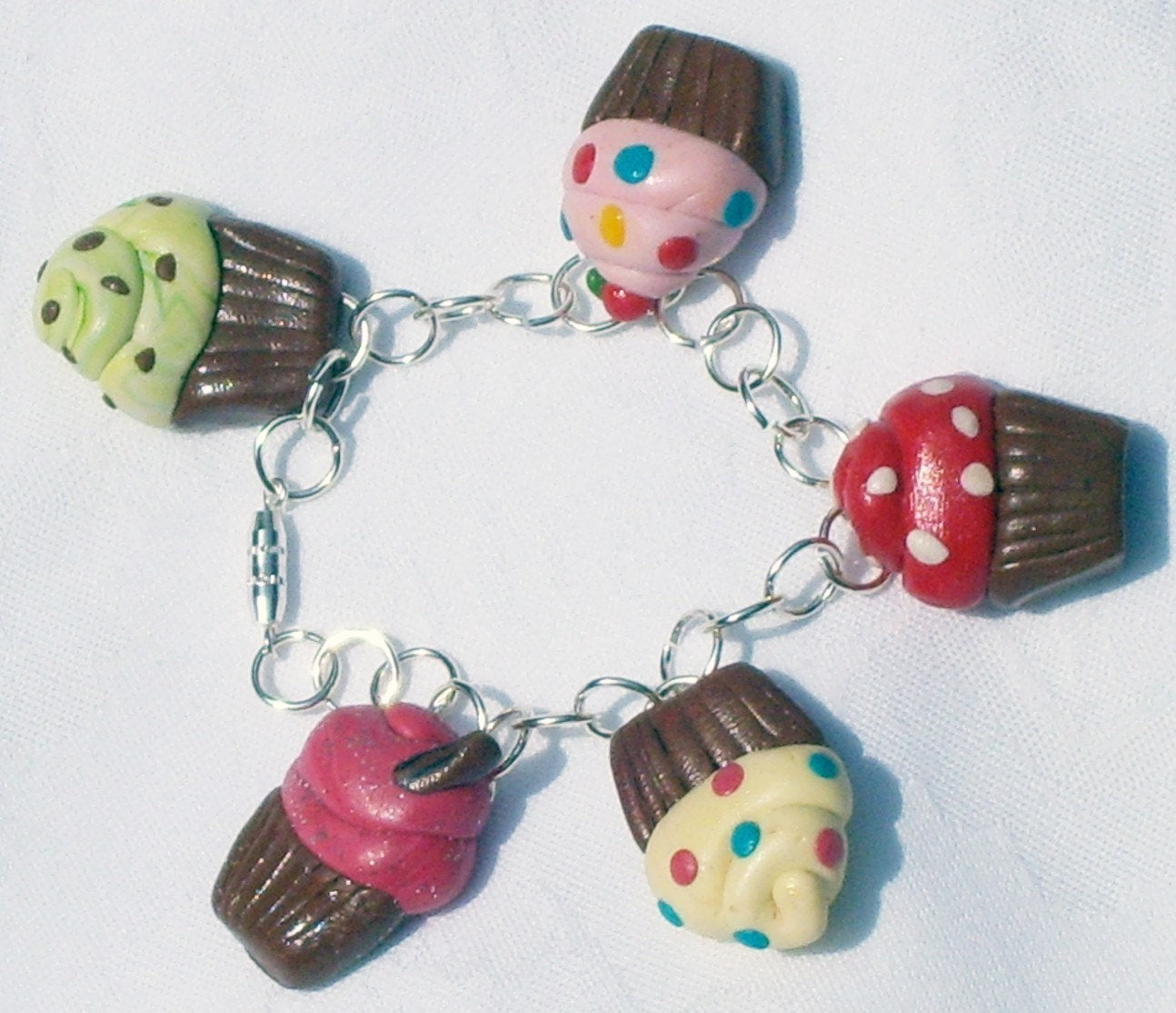 Girls Cupcake Bracelet, Girls Jewellery, Stocking Filler, Toddler Jewellery, Kids Birthday Giift