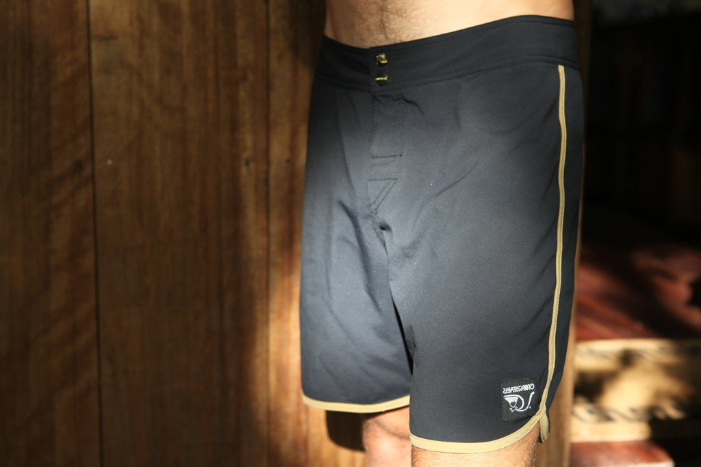 Standard / Quiksilver OG Scallop Black and Gold Boardshorts