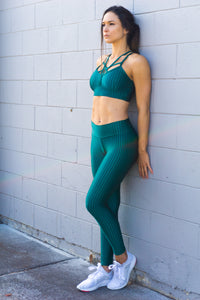 GLOSSY EMERALD GREEN LEGGINGS