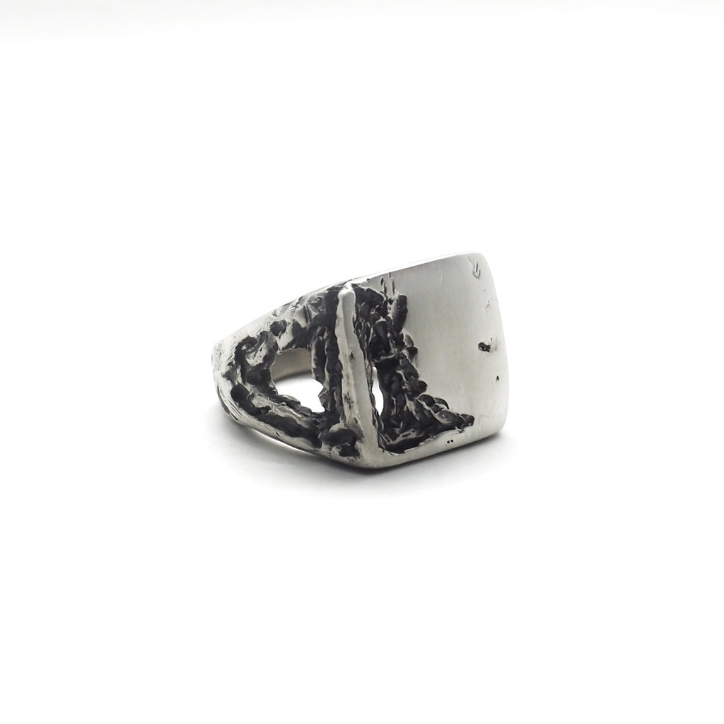 BROKEN ACID SIGNET RING