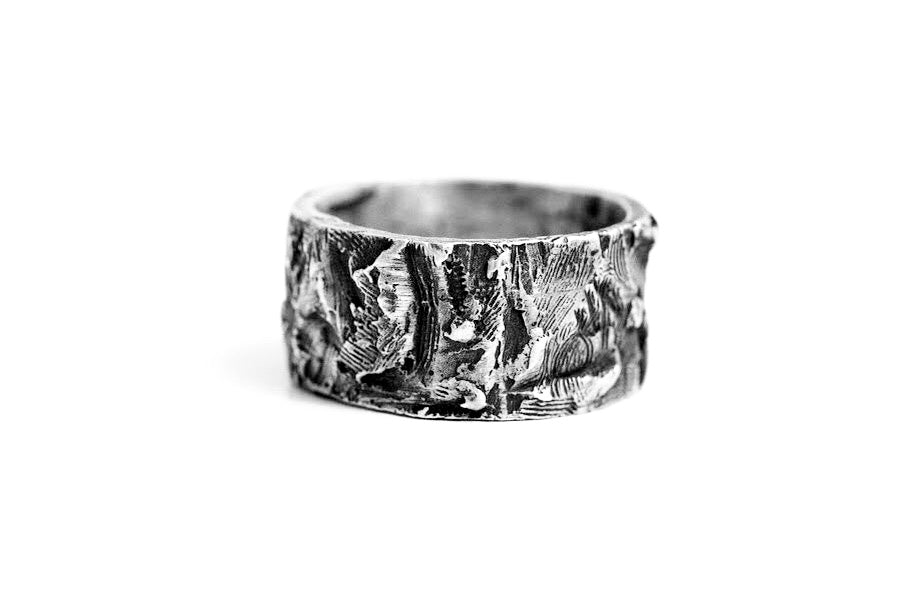 CANNIBAL M BAND RING