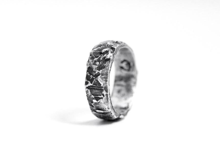 CANNIBAL S BAND RING - OSS