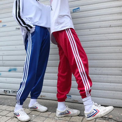 2017 Autumn New Three Stripe Trousers Teenagers Ankle Banded Pants Lovers Black Casual Student Sweatpants Free shipping