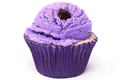 Shop Vanilla Berry cupcake bath bombs in Canada | Natural Wonders | 100% Hand Made | Ultra Hydration | Dry and Itchy